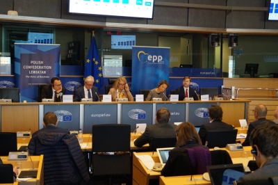 "Bruksela, Warsztaty pt. ""Boosting jobs, growth, competitiveness and consumer rights in Europe"""